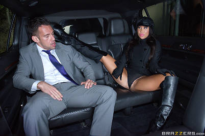 august_taylor_shagging_the_chauffeur